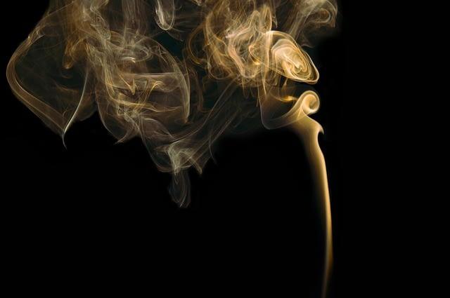 Nichtraucher werden - drei Probleme - Symbolbild Rauch