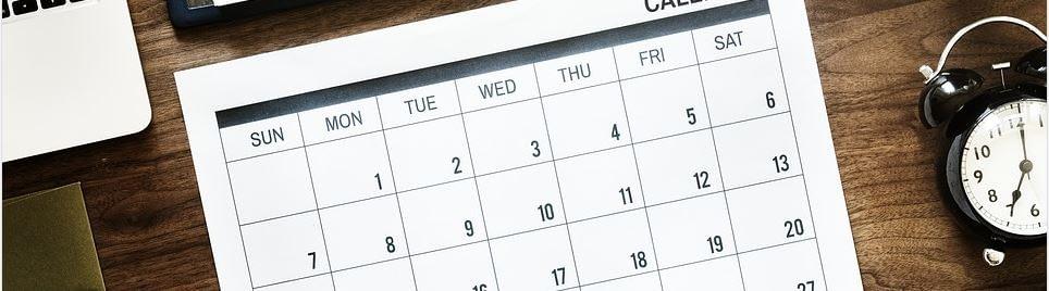 Das Hypnose Vorgespräch - Terminkalender auf dem Tisch