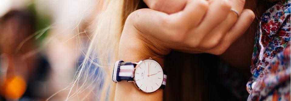 Rauchertypen - Armbanduhr als Symbol für Stress