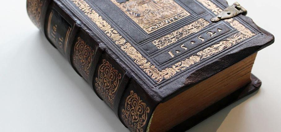 Die Welt der Glaubenssätze - Symbolbild Bibel